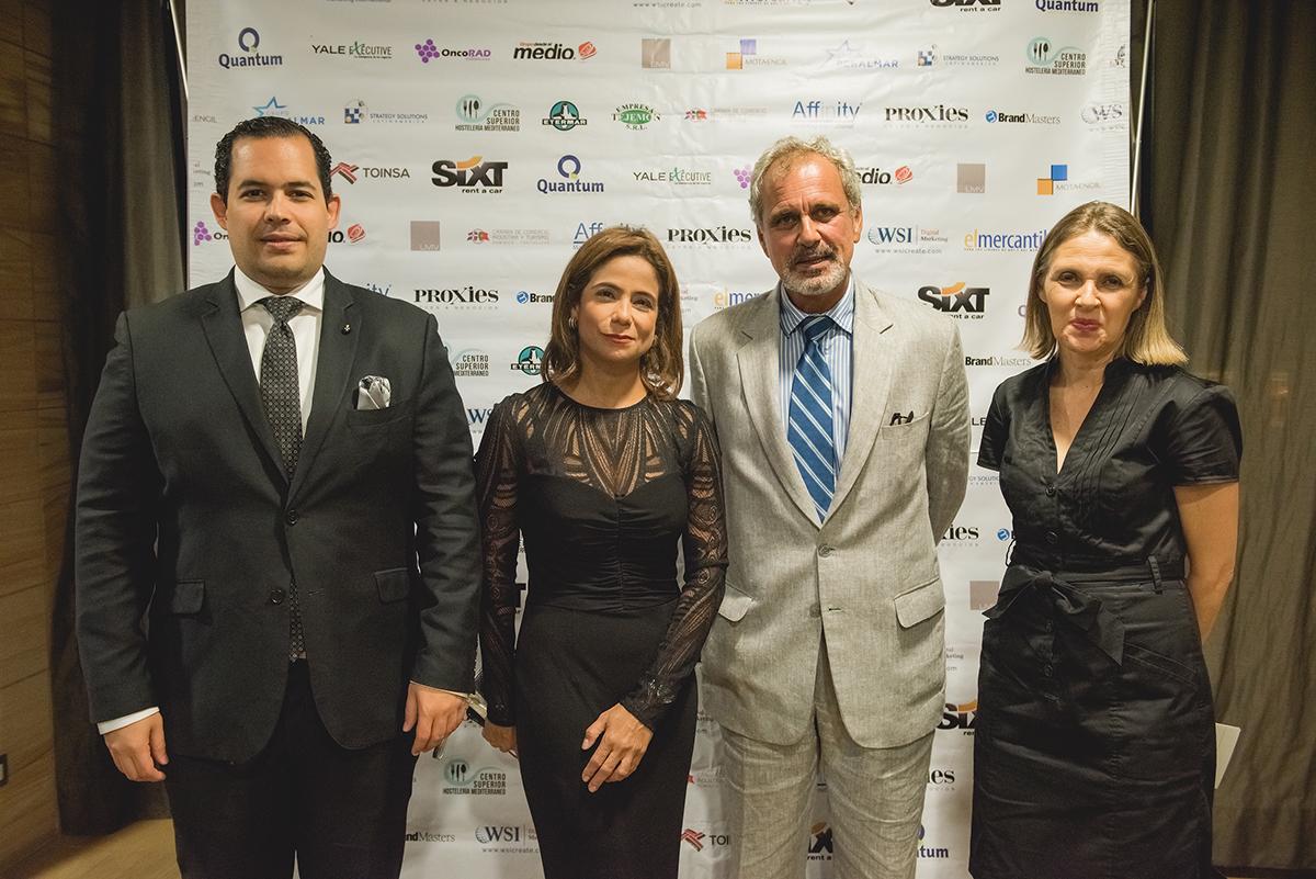 Jose  Romero  Llilda Solano, Jorge Oliveira, Clara Reid