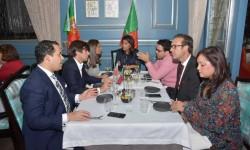Cena Entre Amigos Y Socios Portugueses